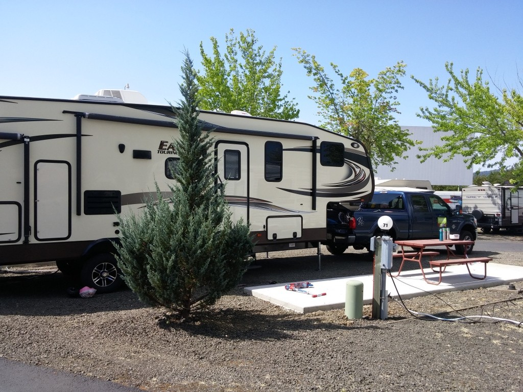 Hi-Way Haven RV Park - See the big movie screen in the background?