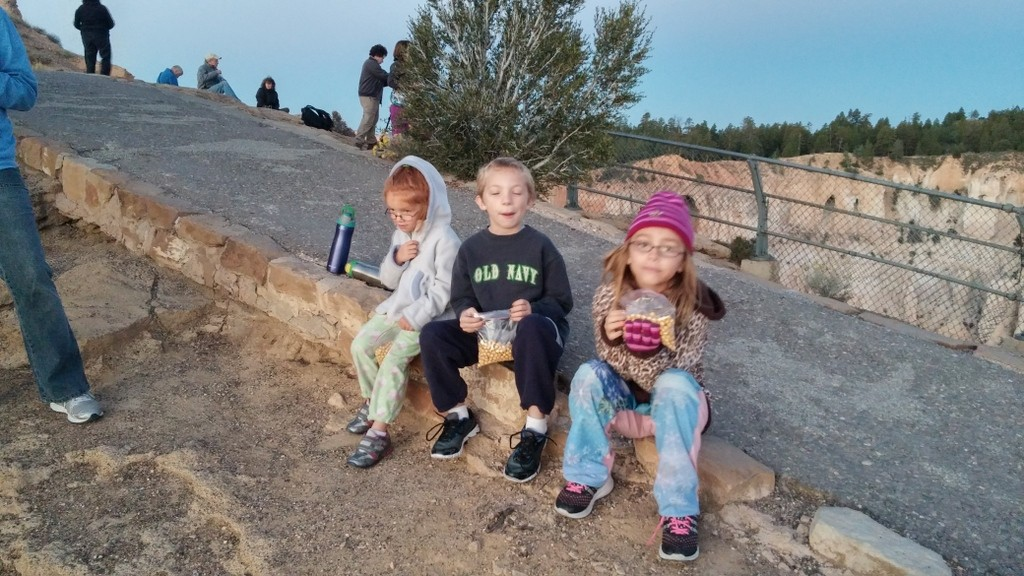 Up early to watch the sun rise at Bryce Canyon
