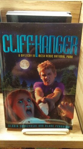 Cliff-Hanger - Youth Book set in Mesa Verde
